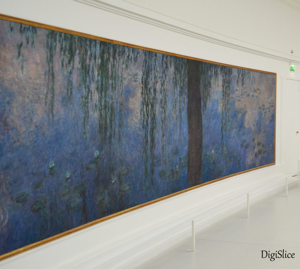 Monet's Water Lilies at the Musée de l'Orangerie, Paris - DigiSlice