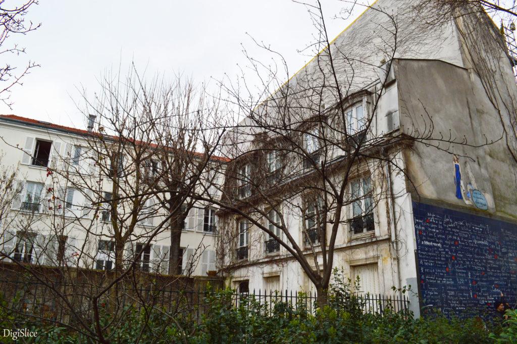 Le mur des je t'aime in Montmartre, Paris - DigiSlice